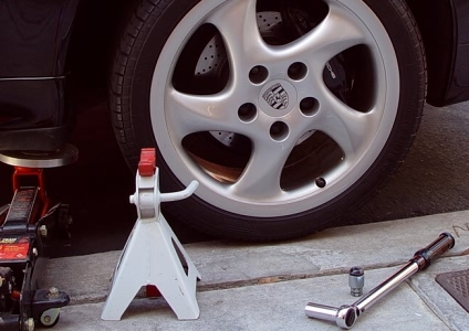 Jacking Up Your Car with a Floor Jack
