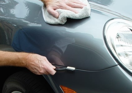 What Cloth To Use For Waxing Car